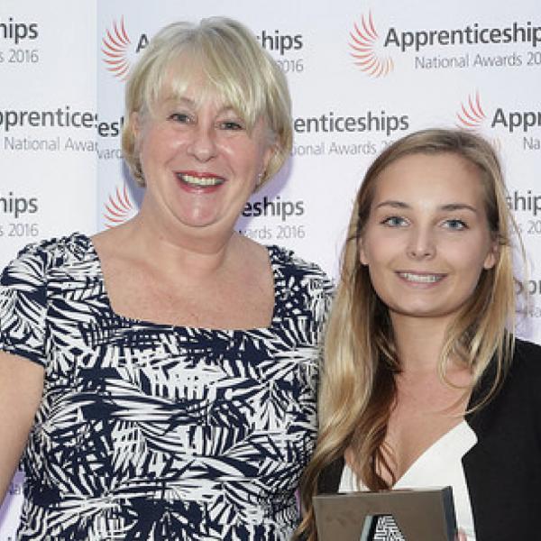 Newnham & Jordan Solicitors wins the South West National Apprenticeship Award 2016